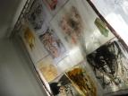 панно в мастерской на окне