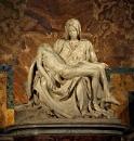Пьета. Мрамор. 1498—1499. Ватикан, Собор св. Петра.