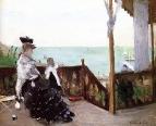 В вилле на берегу моря