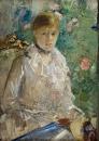 Молодая женщина, сидящая у окна