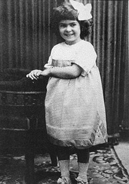 1910. Фрида в детстве