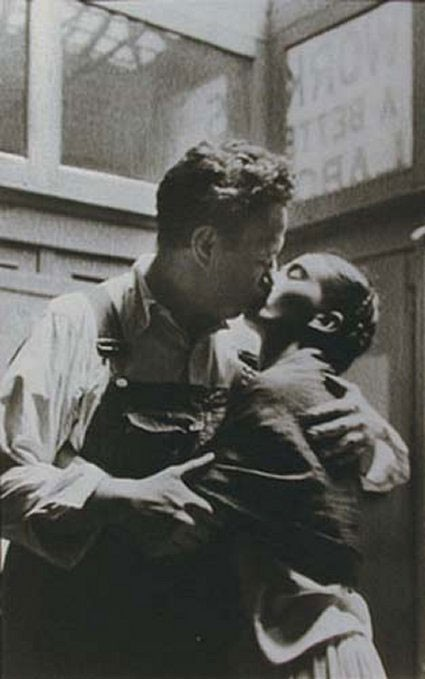 1930 фотография Фрида Кало и Диего Ривера