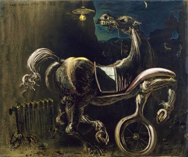 1938 Автомобильные обломки рождают слепую лошадь, грызущую телефон