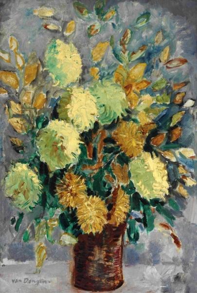 Ваза с хризантемами
