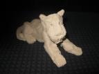 готовый атаковать из любого положения - лежащий тигр