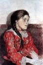 Девушка в красной кофте.